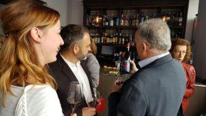 Sánchez Adalid y Jorge Gruart conversan sobre el vino Pimpante