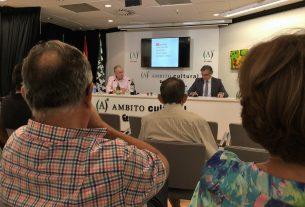 Jorge Gruart (izquierda), junto a Miguel Luna, director de Ámbito Cultural.